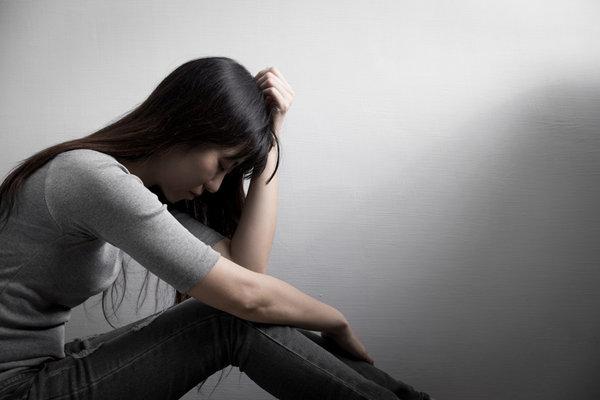一些烦心的事情导致抑郁
